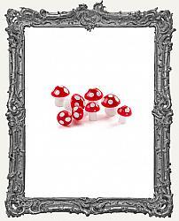 Miniature Plastic Mushrooms - Red - 8 Pieces