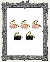 Prima Marketing Vintage Halloween Collection - Thirty-One - Pumpkin Metal Charms